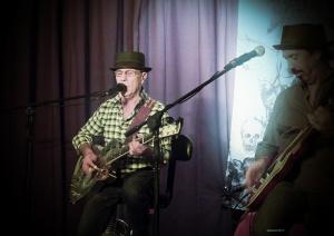 Papa George - Eloquent guitar work, chocolate vocals...